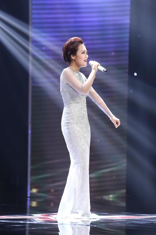 Cô bé 16 tuổi nức nở khi bất ngờ gặp mẹ trên sân khấu X-Factor-20