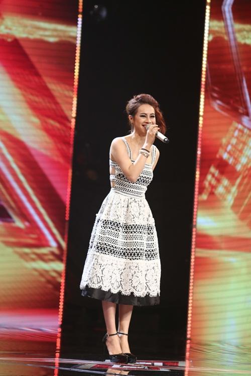 Cô bé 16 tuổi nức nở khi bất ngờ gặp mẹ trên sân khấu X-Factor-16