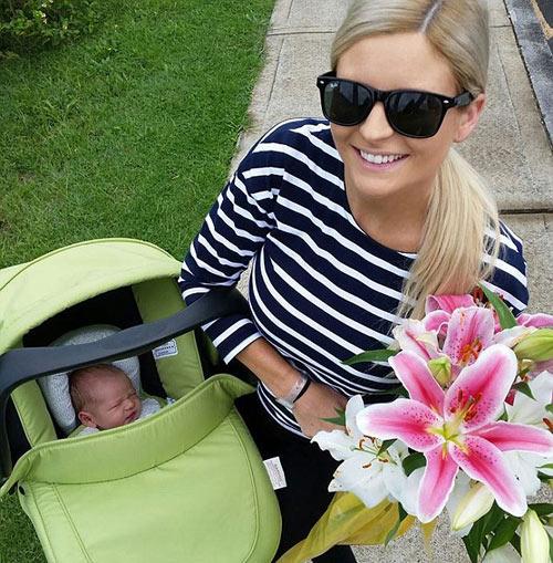 Mẹ trẻ hốt hoảng đẻ rơi con còn trong bọc ối-3