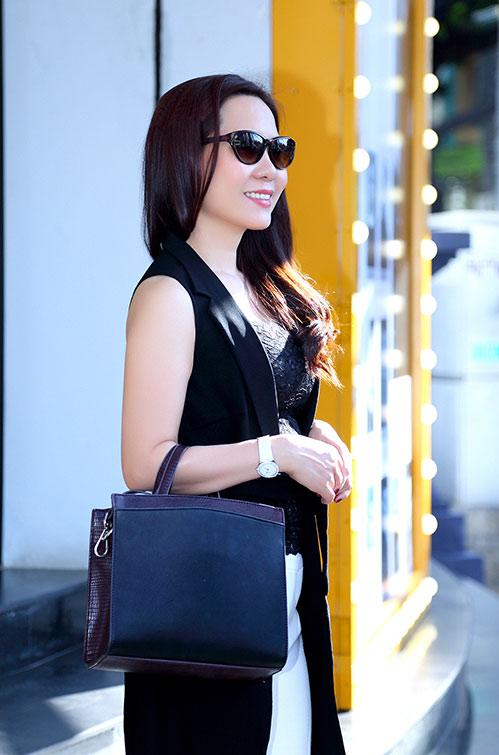 Nữ hoàng Kim Chi sành điệu, rạng ngời xuống phố-8