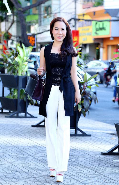 Nữ hoàng Kim Chi sành điệu, rạng ngời xuống phố-1