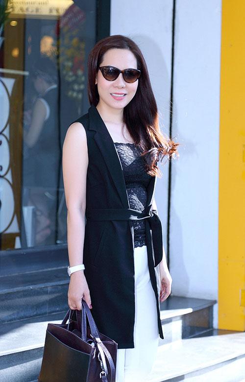 Nữ hoàng Kim Chi sành điệu, rạng ngời xuống phố-5