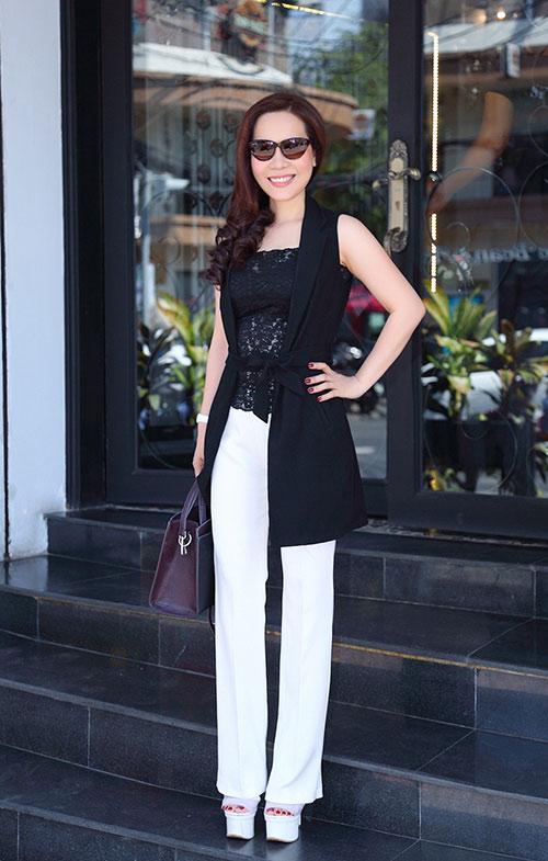 Nữ hoàng Kim Chi sành điệu, rạng ngời xuống phố-3