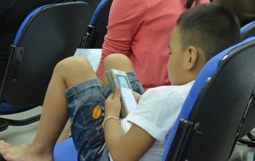 Cẩn thận trẻ bị chấn thương sọ não khi chơi trong nhà-1