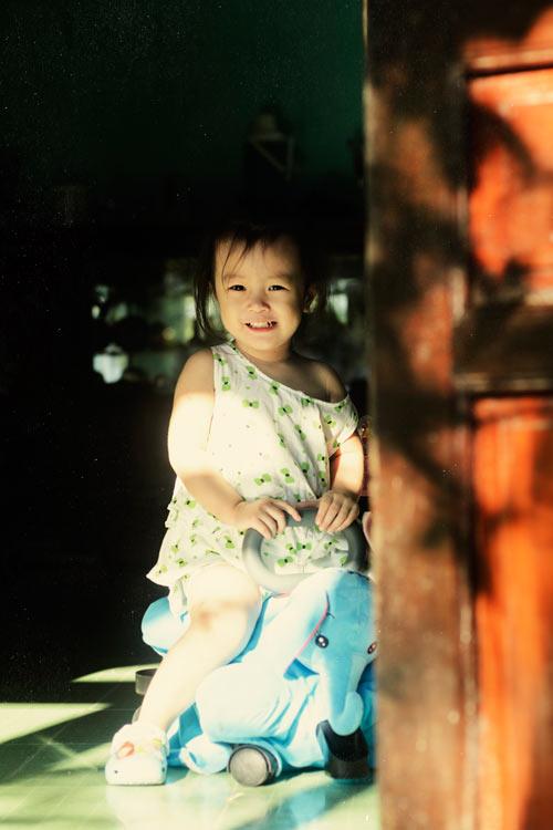 hoang nguyen khanh nguyen - ad14370 - nu cuoi tuoi sang ruc bau troi - 3