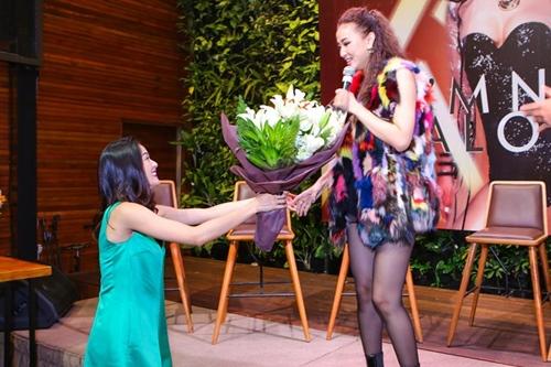 ban gai cuong do la mang hoa den tang maya tai su kien - 6
