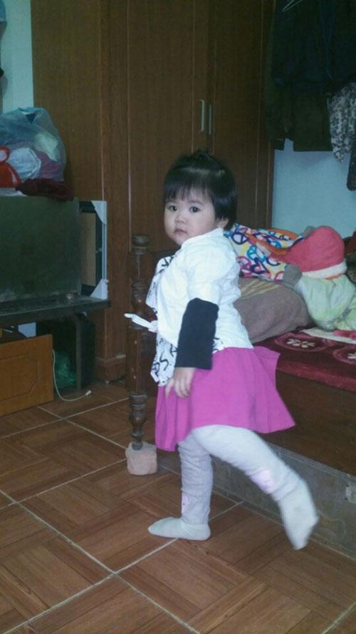nguyen hoang an nhi - ad80596 - be mit hieu dong - 1