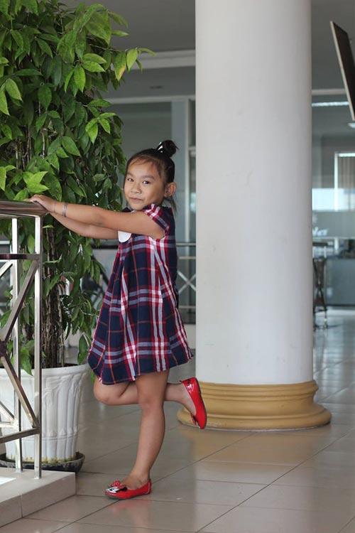 duong ngoc khanh bang - ad94429 - co be hay cuoi - 3