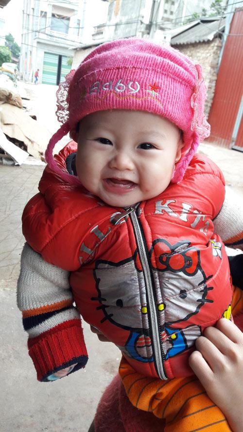 nguyen thi huong giang - ad16693 - co be hay cuoi - 1