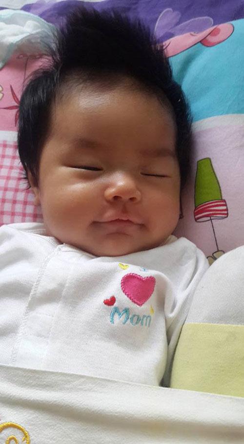 lam khanh linh - ad12035 - be gai tinh nghich - 1