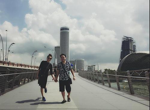 vo chong trang nhung tinh cam ben con gai o singapore - 6