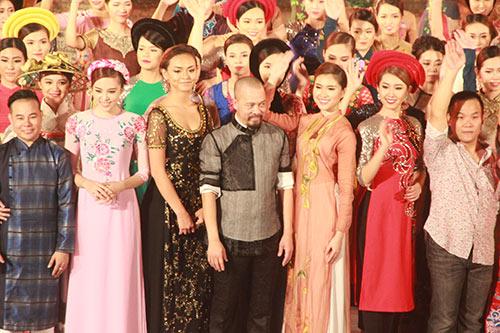 lan khue, le hang goi cam, dai cac voi ao dai - 11