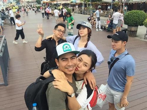 """""""kieu nu"""" ngoc lan hanh phuc di du lich cung ban trai - 1"""