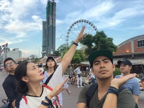 """""""kieu nu"""" ngoc lan hanh phuc di du lich cung ban trai - 2"""