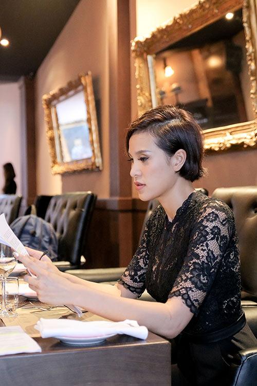 """phuong mai lam mc cho kenh truyen hinh quoc te sau su co """"ho bao"""" - 6"""