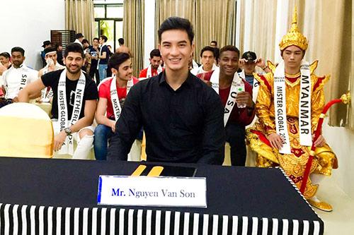 nam vuong nguyen van son lam giam khao sac dep o thai lan - 1
