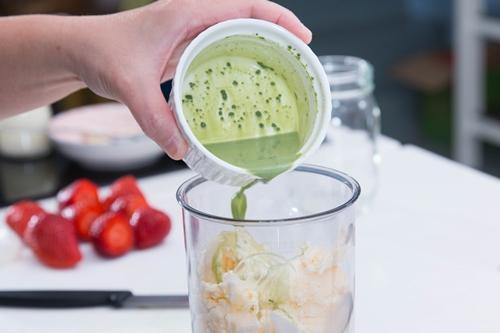 Giải khát với sinh tố kem trà xanh trong vài phút-4