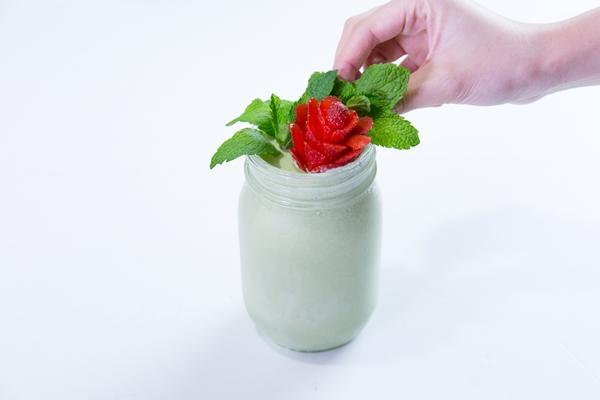 Giải khát với sinh tố kem trà xanh trong vài phút-5
