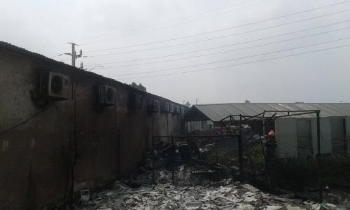 Hà Nội: Cháy ở Công ty Điện lực Nam Từ Liêm, khói đen bao trùm-9