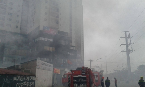 Hà Nội: Cháy ở Công ty Điện lực Nam Từ Liêm, khói đen bao trùm-4