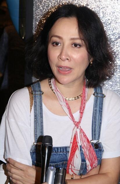 """Ở tuổi 51, Lưu Gia Linh vẫn thích """"cưa sừng làm nghé""""-2"""