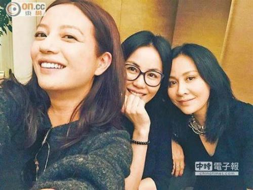 """Ở tuổi 51, Lưu Gia Linh vẫn thích """"cưa sừng làm nghé""""-5"""