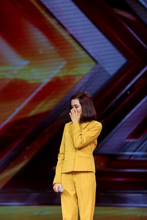 Cô gái 'chân dài như Hồ Ngọc Hà, hát như Mỹ Tâm' hút hồn giám khảo X-Factor-10