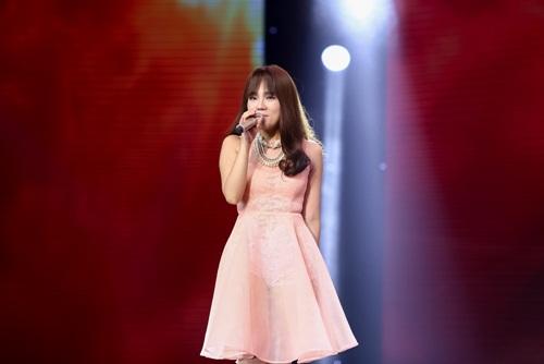 Cô gái 'chân dài như Hồ Ngọc Hà, hát như Mỹ Tâm' hút hồn giám khảo X-Factor-18