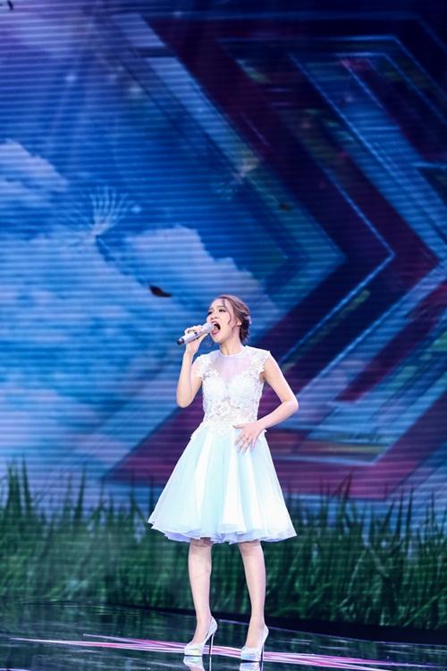 Cô gái 'chân dài như Hồ Ngọc Hà, hát như Mỹ Tâm' hút hồn giám khảo X-Factor-14