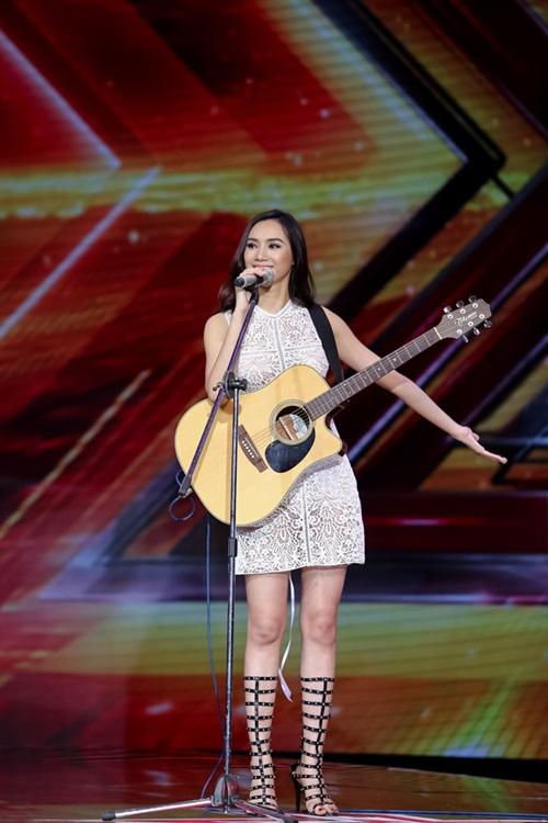 Cô gái 'chân dài như Hồ Ngọc Hà, hát như Mỹ Tâm' hút hồn giám khảo X-Factor-4