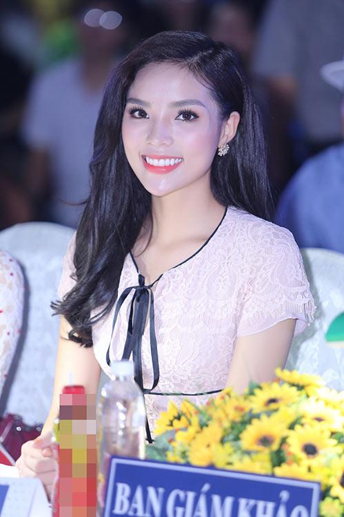 Hoa hậu Kỳ Duyên đẹp tươi tắn, vượt qua ồn ào-5