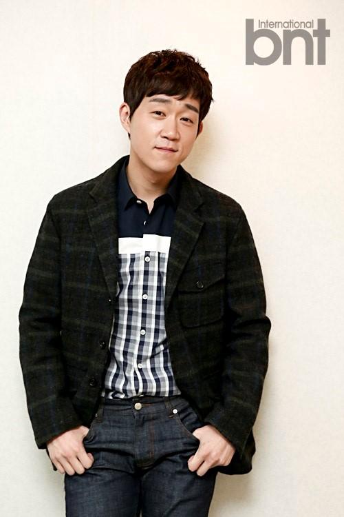 Showbiz 24/7: Kết hôn 5 năm, sao Hàn mới tổ chức được hôn lễ-6