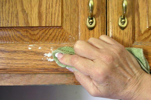 4 cách vệ sinh tủ bếp sạch lớp dầu mỡ bám dính-3
