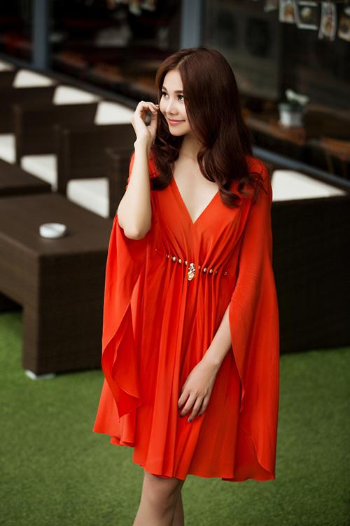 8 màu váy khiến bạn đẹp không thua kém Thanh Hằng-13