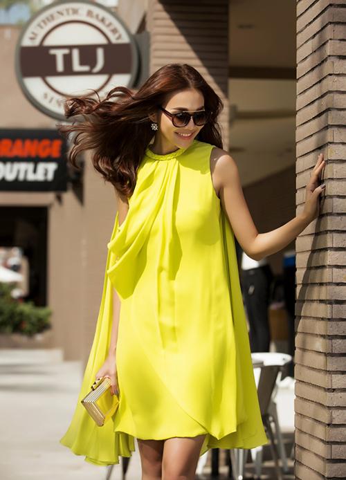 8 màu váy khiến bạn đẹp không thua kém Thanh Hằng-7