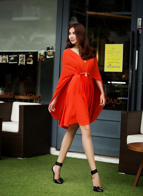 8 màu váy khiến bạn đẹp không thua kém Thanh Hằng-14