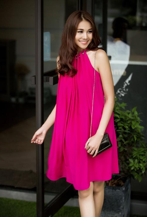 8 màu váy khiến bạn đẹp không thua kém Thanh Hằng-11