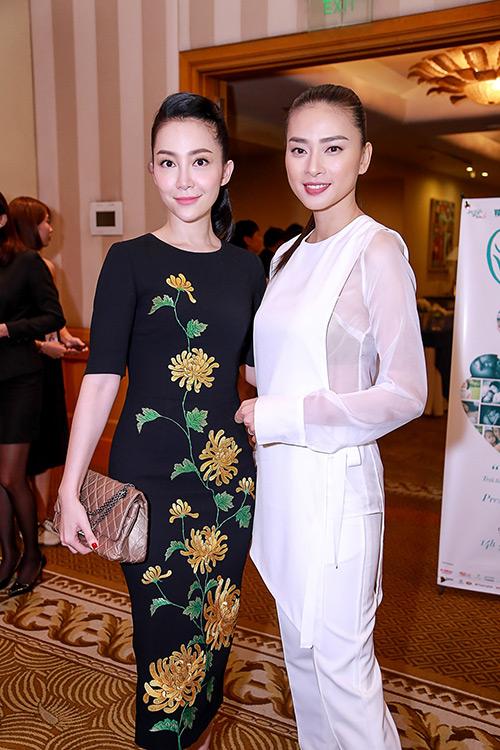 Linh Nga nổi bật với váy thêu hoa cúc cao quý-2