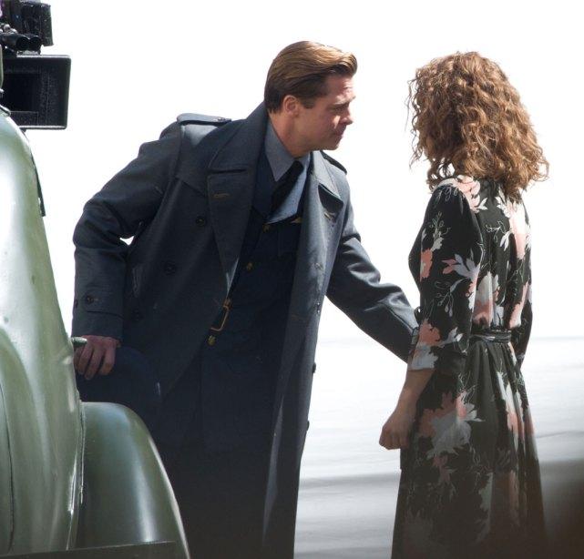 Lộ ảnh hôn bạn diễn, Brad dính nghi vấn phản bội Angelina-1