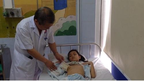 Lần đầu tiên phẫu thuật nội soi toàn bộ không phải ngừng tim-1