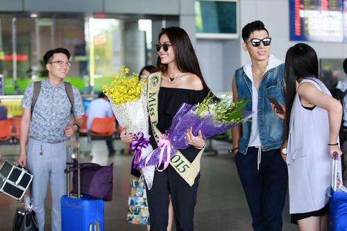 Hoa hậu Trái đất 2015- Angelia Ong tới thăm Việt Nam-1
