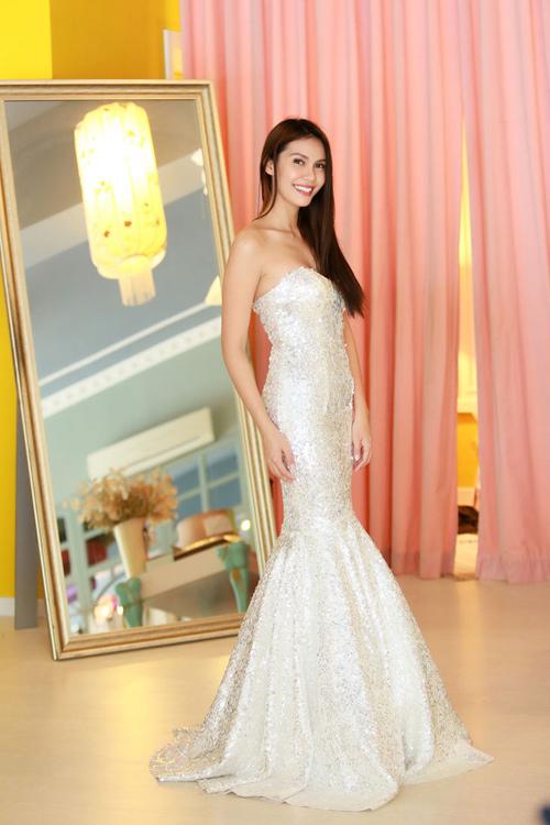Hoa hậu Trái đất 2015- Angelia Ong tới thăm Việt Nam-12
