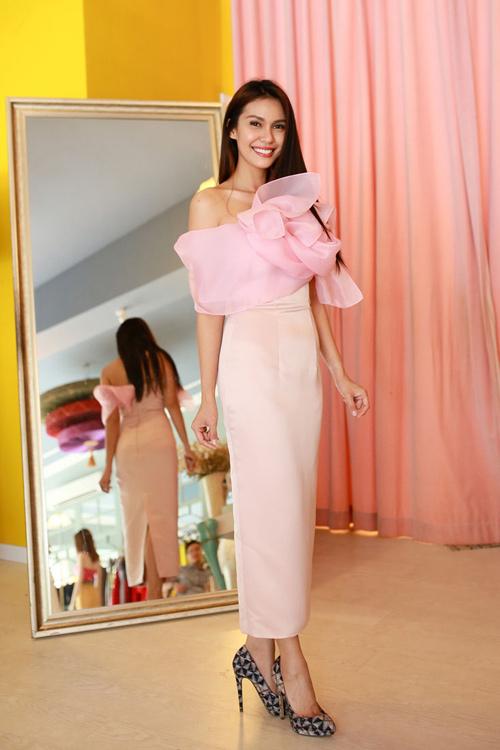 Hoa hậu Trái đất 2015- Angelia Ong tới thăm Việt Nam-10