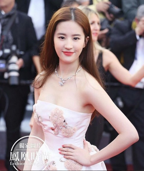 makeup don sac thong tri tham do cannes 2016 - 4