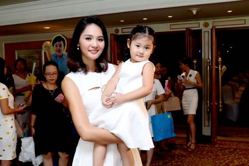 5 cô con gái xinh không kém mẹ của các Hoa hậu Việt-12