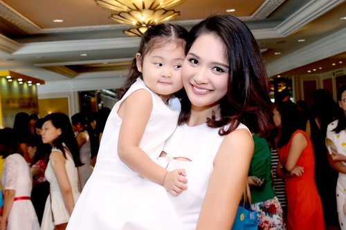 5 cô con gái xinh không kém mẹ của các Hoa hậu Việt-13