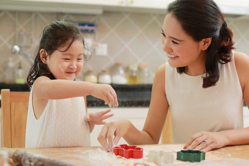 5 cô con gái xinh không kém mẹ của các Hoa hậu Việt-14