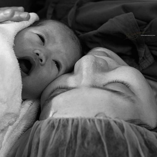 Ảnh cận cảnh vợ sinh mổ qua ống kính nhiếp ảnh gia Việt-9