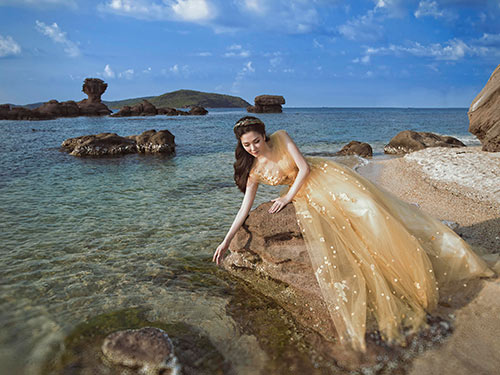 Nguyễn Thị Huyền đẹp tựa nữ thần khi trở lại showbiz-6