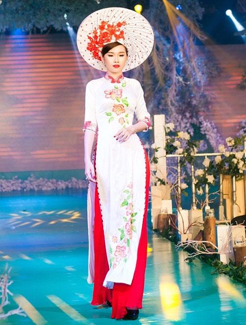 Phan Thị Mơ kiều diễm với áo dài cưới-3